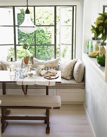 Banquet in kitchen design via belle vivir blog