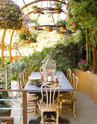 Outdoorcommunaltableviainspirebohemia - Outdoor communal table