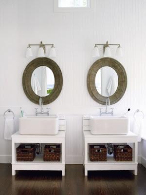 Amagansett Modern bathroom Design via Belle Vivir Blog
