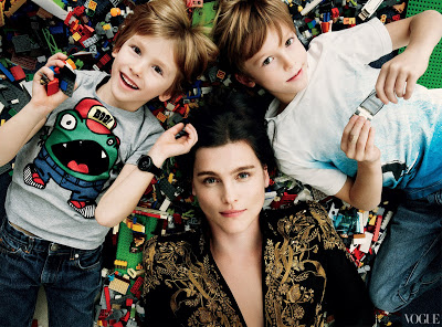 Tabitha simmons and her two sons via belle vivir