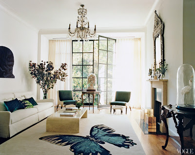 Tabitha Simmon's Manhattan living room with a rug with a butterfly designed by Annabelle Selldorf via belle vivir blog