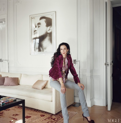 L'Wren Scott sitting in her living room of her Paris Home