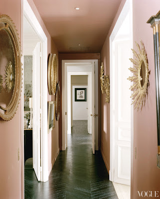 L'Wren Scott's Paris Apartment hallway via belle vivir blog