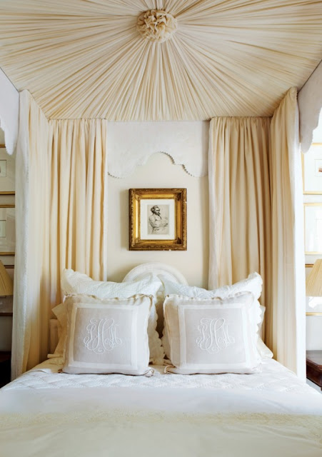 Easy canopy bed Phoebe Howard