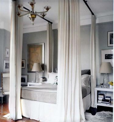 Easy canopy bed Dara Caponigro