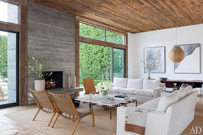Jenni Kayne home in California  designed in white and wood tones