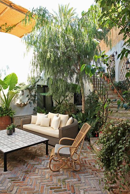 Jean Louis Deniot Design in Capri terrace via belle vivir blog