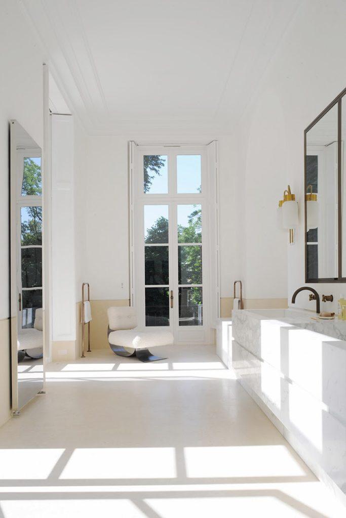 A Paris apartment designed by Joseph Dirand bathroom