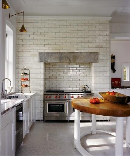 Michael Bruno at Home white kitchen Tuxedo Park via Belle vivir blog
