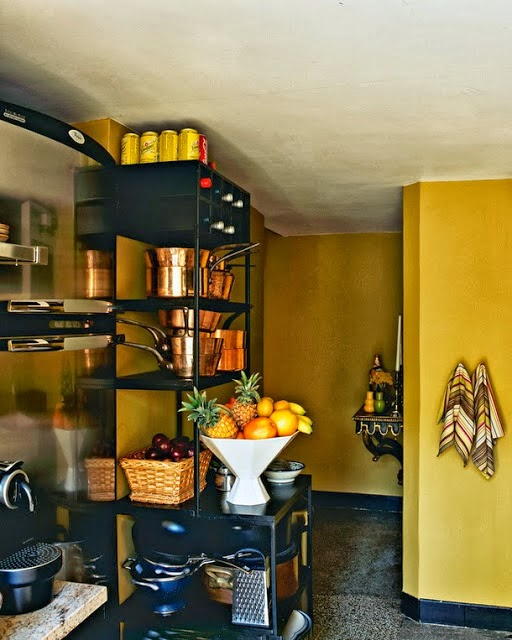 7 ways to display pots and pans in the kitchen via belle vivir blog