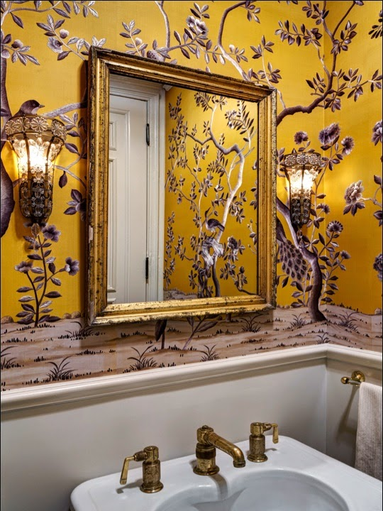 Jenna Lyons brooklyn bathroom with chinoiserie yellow wallpaper via belle vivir blog