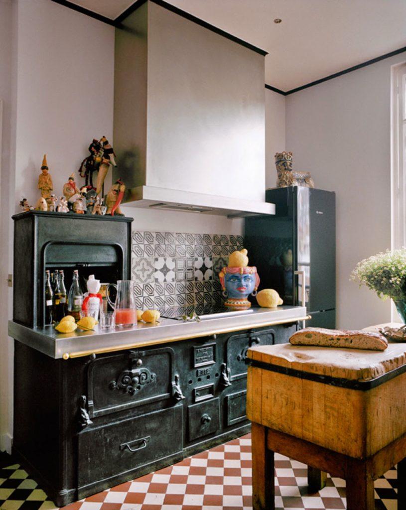 Giambattista Vali Apartment in Paris kitchen