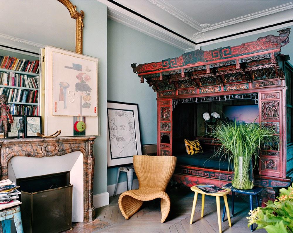 Giambattista Vali Apartment in Paris with oriental antique canopy bed