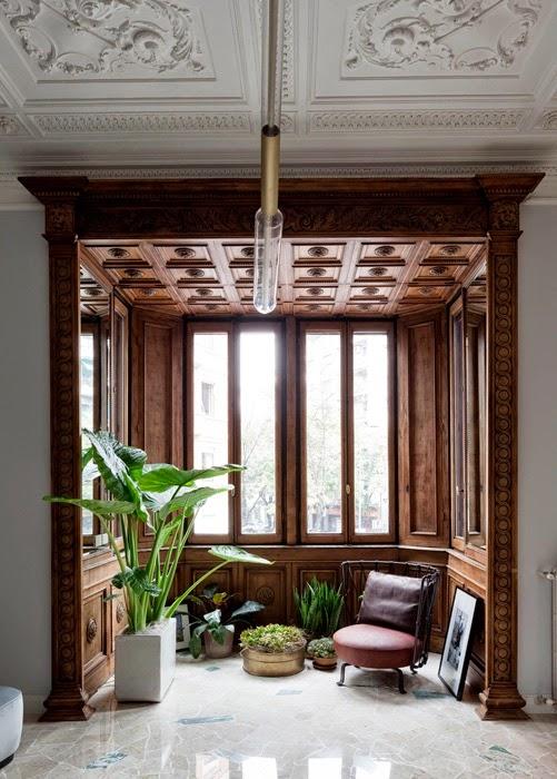 Pierro Russo, Carved wooden bay window