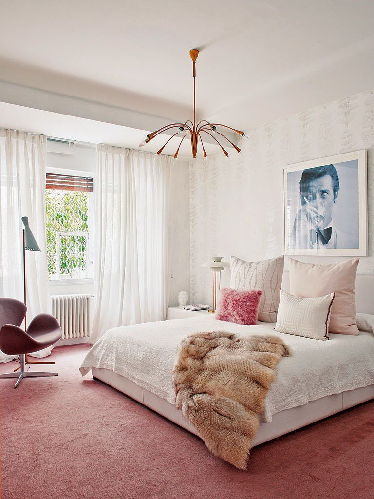 interior designer shows feninine interiors