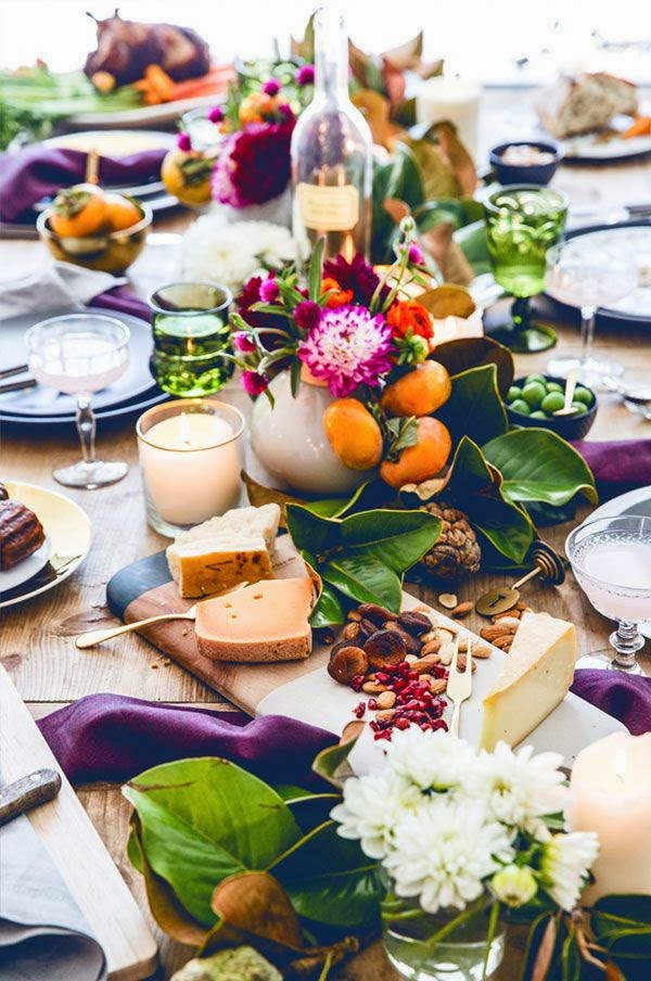 thanksgiving inspired table fruits and leaves via belle vivir