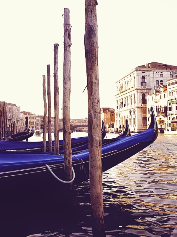 the gritti palace hotel in venice italy gondolas via belle vivir