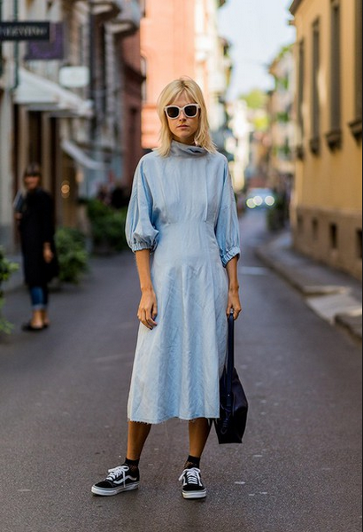 blue loose dress with sneakers