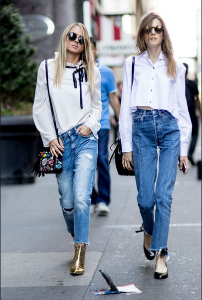 How to wear jeans in the weekends,two girls wearing jeans pants and white tops-belle-vivir