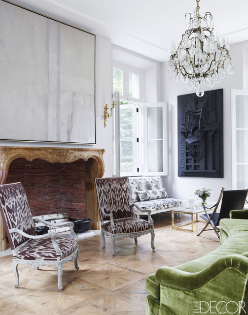 Emma Jane Pilkington Greenwich Home, living room with crystal chandelier green sofa and antique chairs