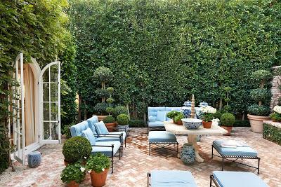 Mark D Sikes Outdoor patio design blue and white via bellevivir blog