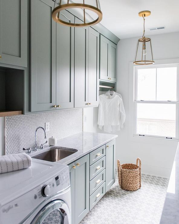 Stylish Laundry Room Ideas Via Belle Vivir Blog Design Inspirations