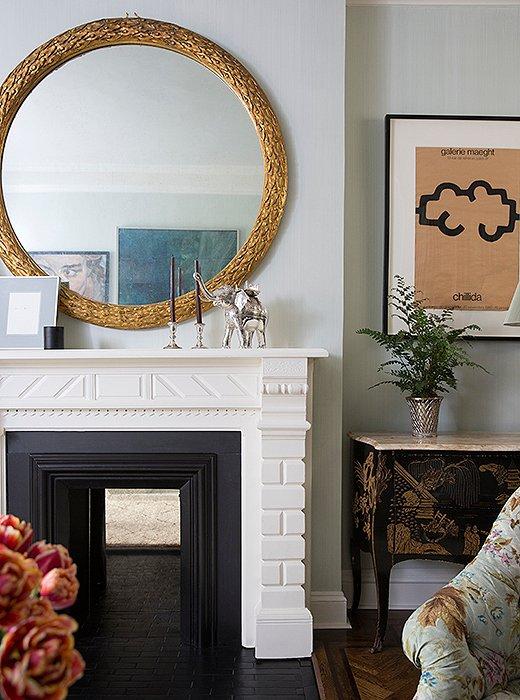 Cece Barfield Chic Gramercy Park Apartment Fireplace Belle Vivir Blog 3
