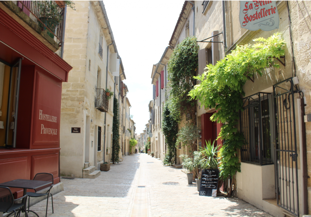 chic and stylish guide to uzes, france
