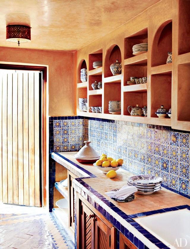 10 elegant tile backsplash behind the stove ideas - Ideas for backsplash behind stove ...