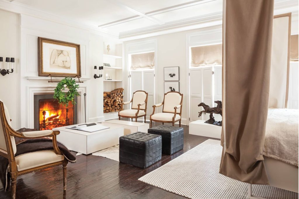 A Christmas Decorated Townhouse By Darryl Carter